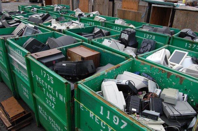 70 درصد آلودگی های زباله ها به پسماندهای الکترونیکی مربوط می گردد، بازیافت کابل با روش های سبز