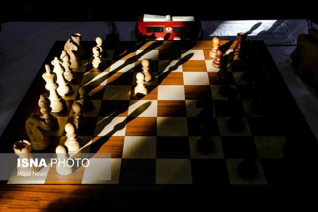 رقابت های شطرنج تاتا استیل 2019، شکست مقصودلو برابر بخت نخست قهرمانی