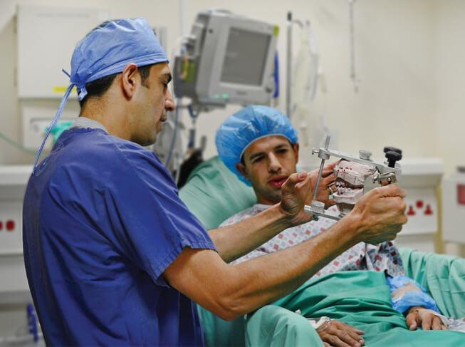 دبیر علمی کنگره بین المللی جراحان دهان، فک و صورت ایران مطرح نمود؛ لزوم جدی دریافت اختلالات فکی، بالا رفتن سن مسائل بیماران را حاد می نماید