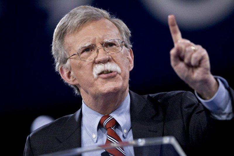 ادامه دخالت های آشکار آمریکا در ونزوئلا؛ بولتون: ائتلافی بزرگ برای تغییر رژیم می خواهیم