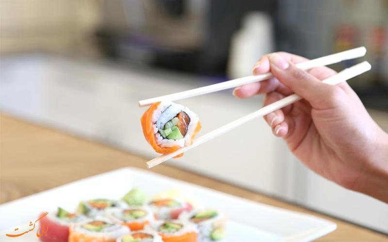 غذا خوردن با چوب چاپستیک چینی ها چطور است؟