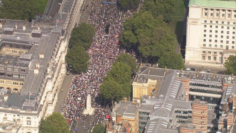 انگلیسی ها علیه بوریس جانسون تظاهرات کردند