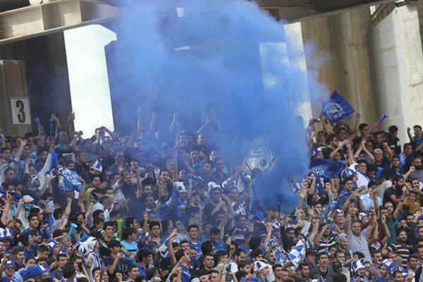 هواداران استقلال با خشم وارد باشگاه شدند، مسئول باشگاه کتک خورد!