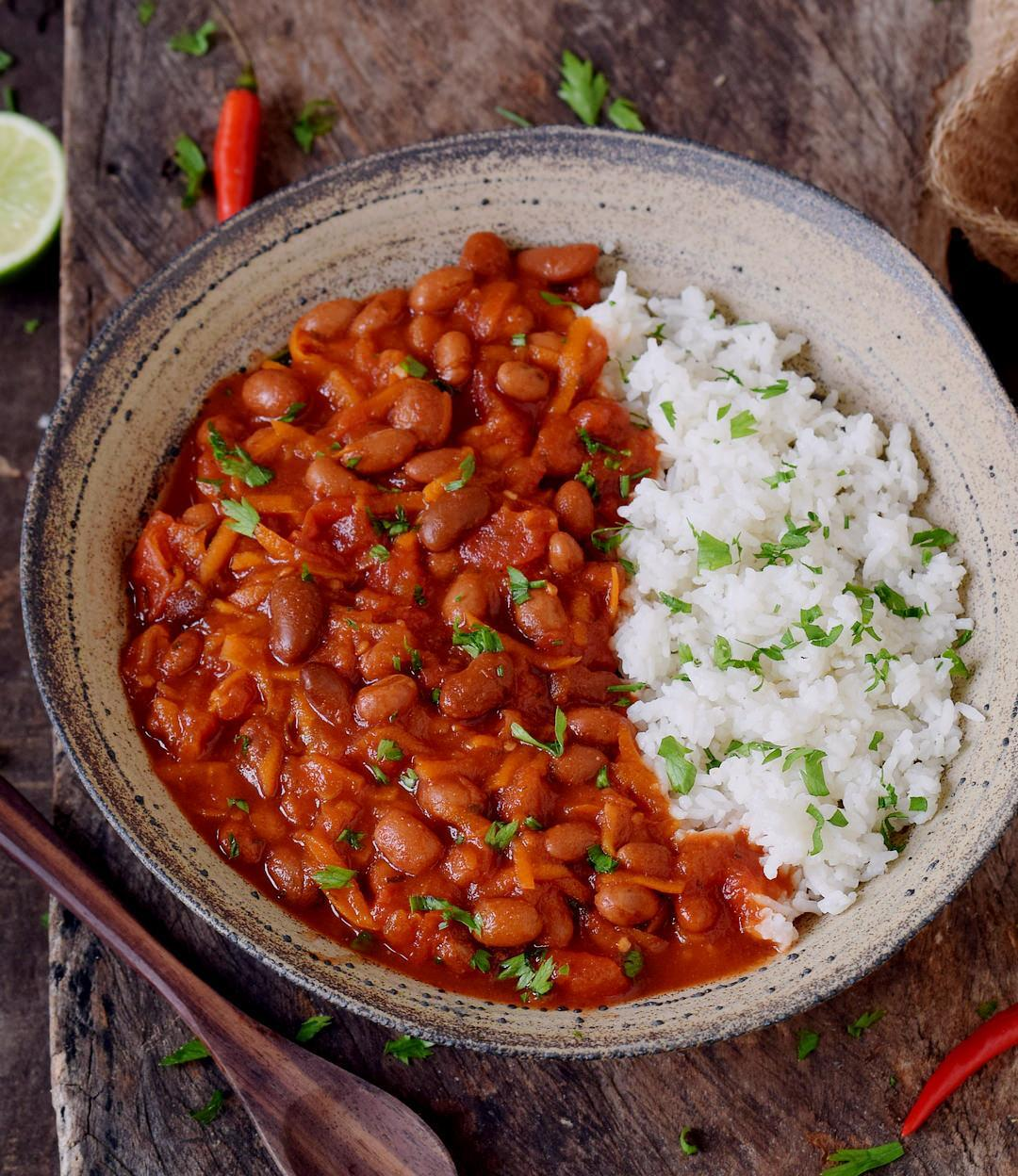 دستور پخت بسیار آسان خوراک لوبیا چیتی غلیظ و خوشمزه بدون قارچ و با قارچ