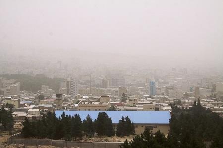 گرد و غبار و کاهش کیفیت هوا در غرب کشور