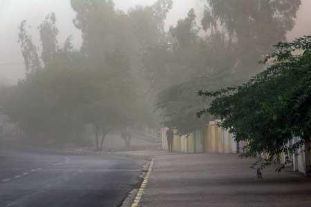 وزش باد شدید و گرد و خاک در بعضی مناطق شرق کشور