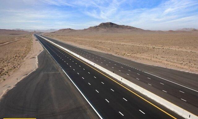اتمام 5 پروژه آزادراهی کشور تا انتها سال، بهره برداری از قطعه سوم آزادراه شرق اصفهان در سال1400