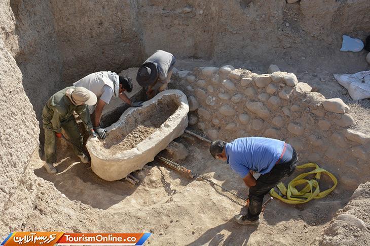 کشف دو تابوت سفالی در دل خاک های جوبجی رامهرمز، انتقال تابوت ها به پایگاه هفت تپه برای مطالعات اولیه