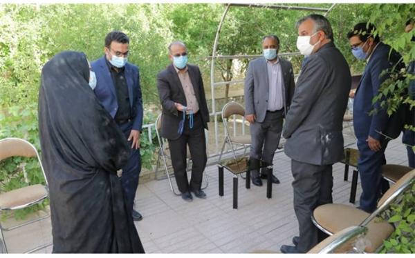 ملاقات رخشانی مهر با خانواده زنده یاد حسین اعلایی مدیرکل اسبق نوسازی مدارس یزد