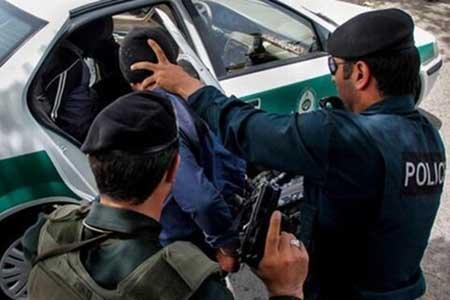 درگیری تن به تن پلیس و موبایل قاپان در باغ فیض ، مأمور پلیس با سرنیزه مجروح شد